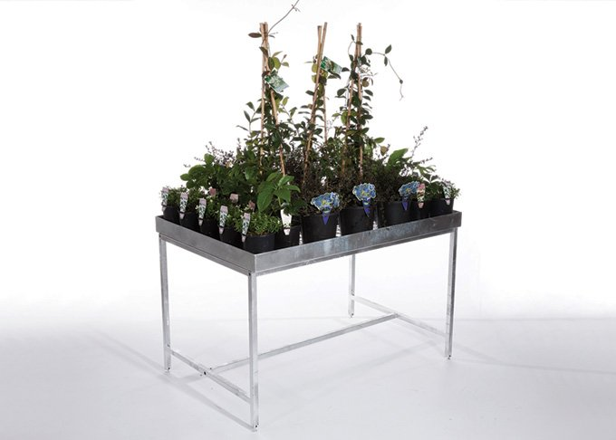 Rectangular garden table stand by Detail Retail
