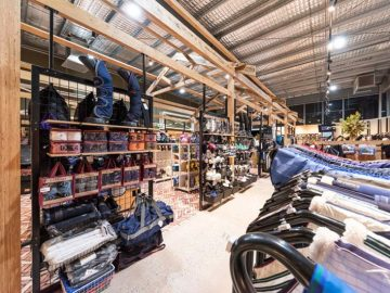 Saddleworld-Retail-Store-Fitout-design